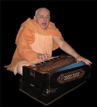 suhotra_swami_with_harmonium
